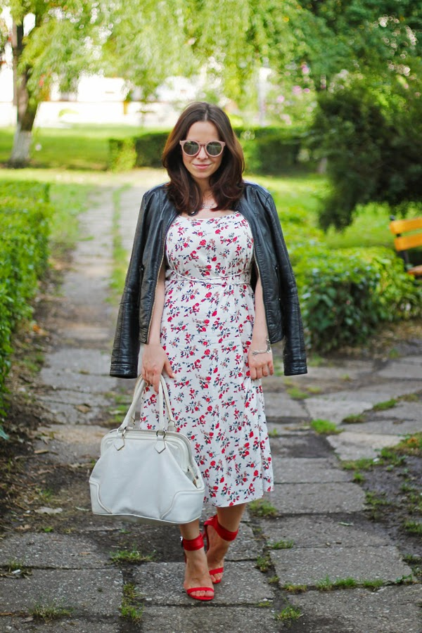 ootd, outfit post, i heart black, floral print spaghetti strap dress, leather jacket, read strappy sandals, white leather bag, anna rinaldi, Zara, Primark, what to wear to a date