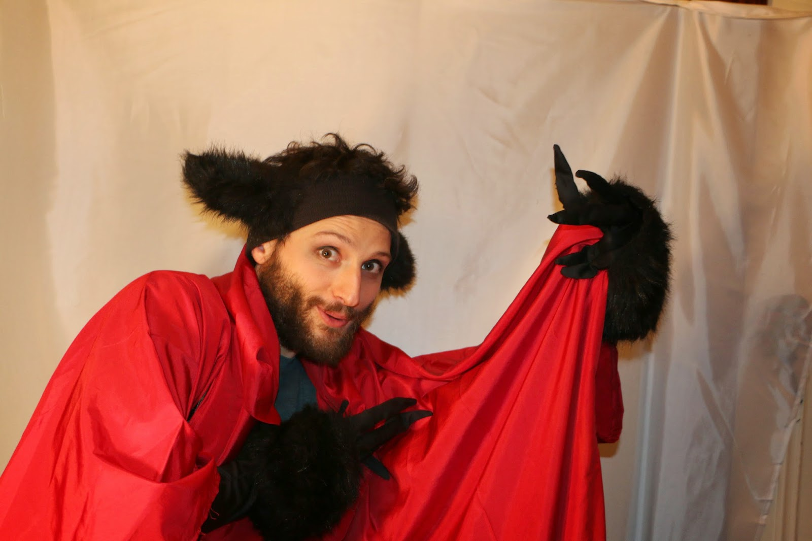 THE CHARMING BIG BAD WOLF-1Q-RED RIDING HOOD 2015--GLEAMS THEATER--IRA SOKOLOVA- PHOTO: SHAHRZAD GHAFFARI WESTMOUNT, QUEBEC, CANADA