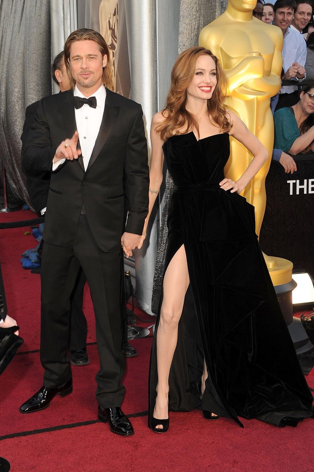 http://3.bp.blogspot.com/-kkcS5hHpJWI/T4pxQkYoF5I/AAAAAAAAAI0/xj0UBX3n85w/s1600/Angelina+Jolie+Oscars+2012.jpg