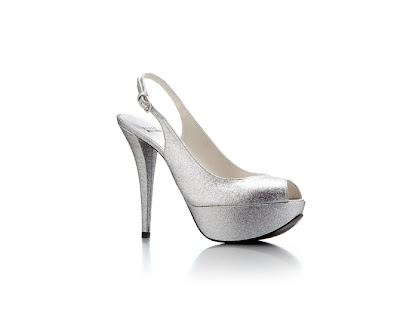 zapato plateado