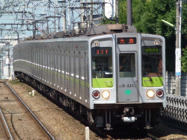 京王電鉄 通勤快速 大島行き3 都営10-000形220F(節電ダイヤに伴う運行)