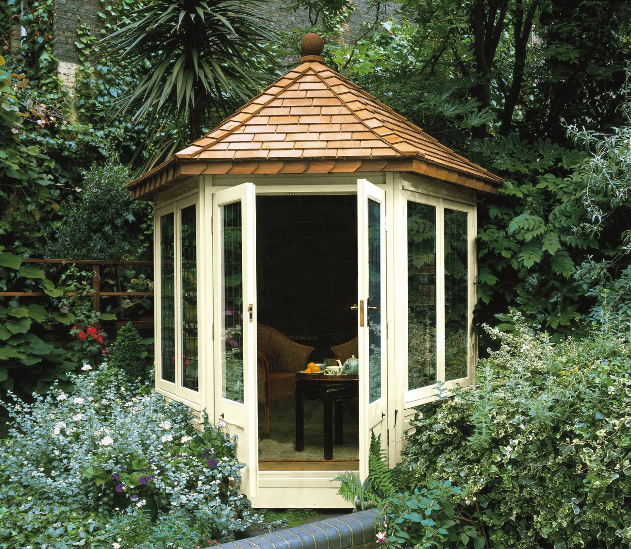 Garden summerhouses blog for Garden designs with summer houses