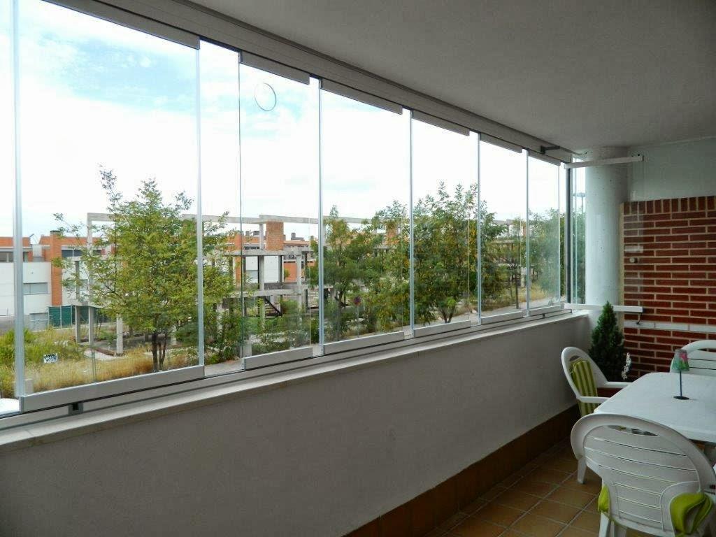 Comercial t27 instalaci n de cortina de cristal en for Modelos de terrazas