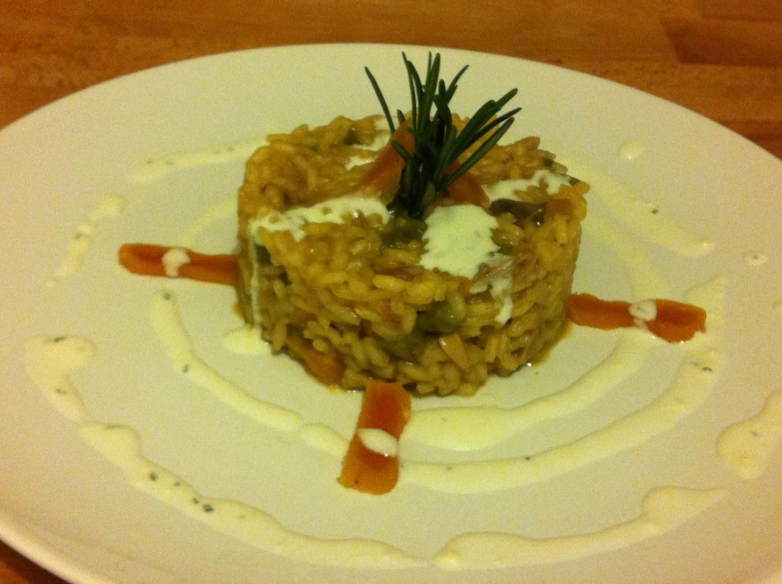 Eataca risotto ai porcini asparagi e albicocche con salsa al caprino e rosmarino - Funghi secchi a bagno ...