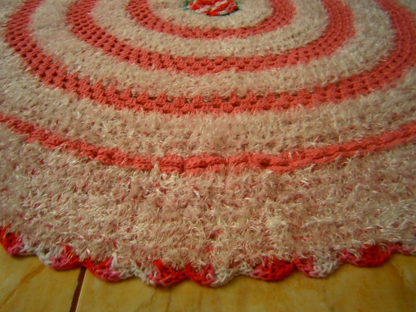 Tapete com flores rosa lilas e barbante peludinho lils for Rosa weiay gestreifte tapete