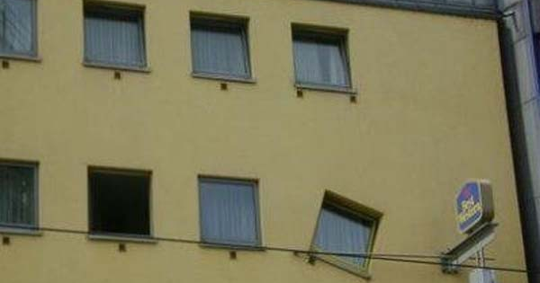 Amazing World: Hilarious Home Improvement Fails