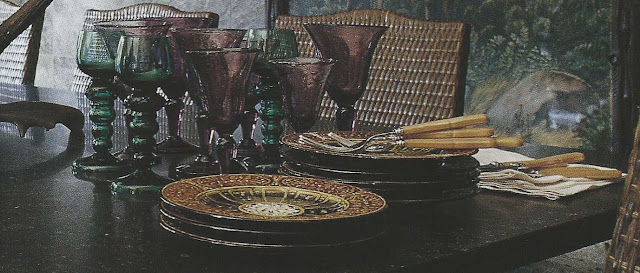 Cte Est Dec-Fev 2001-2002, elegant lodge table setting detail as seen on linenandlavender.net