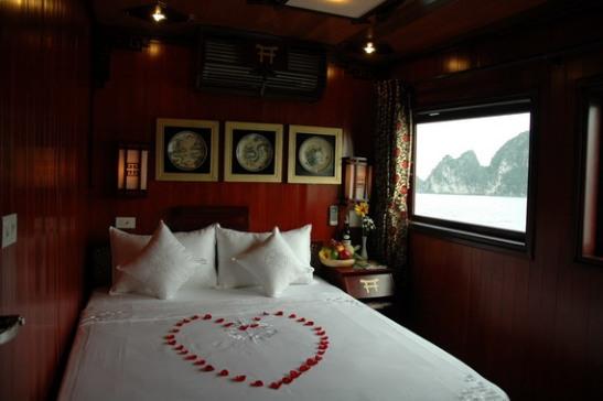 Romantic Double Cabin - Dragon Pearl Cruise