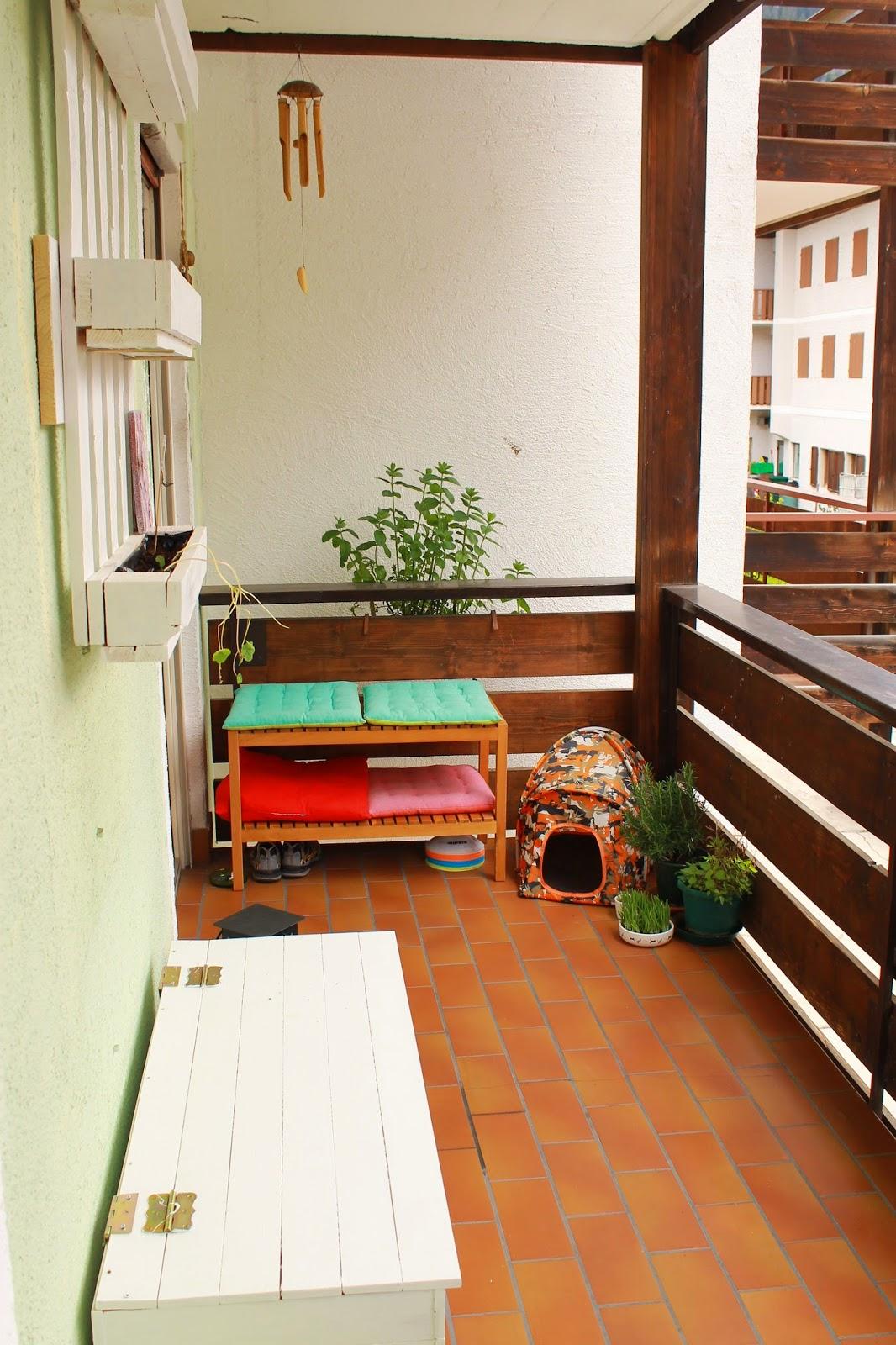 Life of ma balcone finito for Cassapanca per balcone