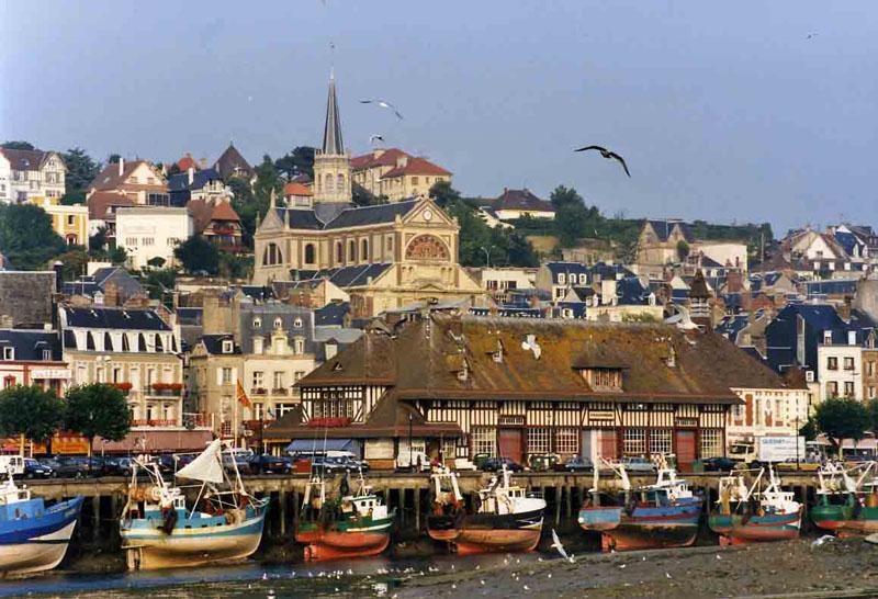 Grand gite de groupe en normandie 15 personnes honfleur - Office du tourisme de deauville trouville ...