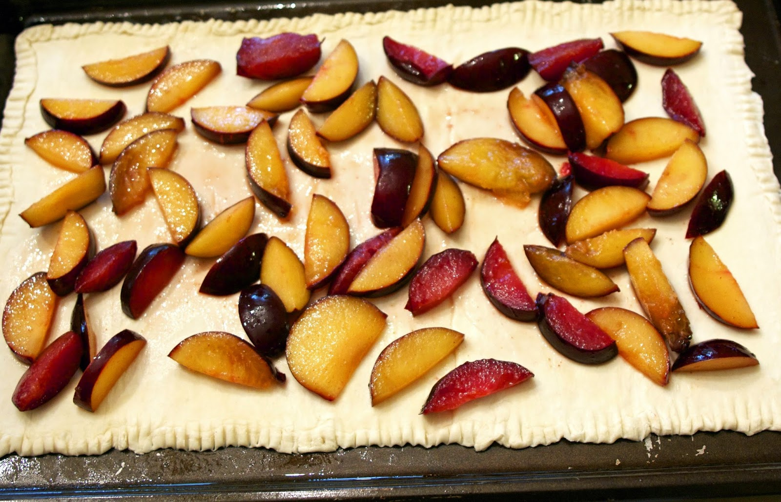 Spicy Honey Cinnamon Plum Tart: simplelivingeating.com