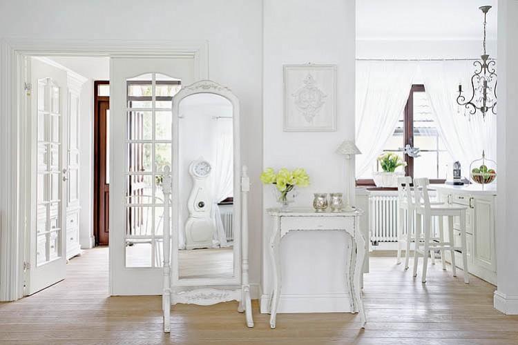 Boiserie c bianco lino per il nuovo shabby chic - Boiserie camera da letto ...