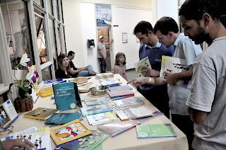 Livros sobre a ciência da logosofia também puderam ser vistos no primeiro dia de evento