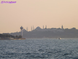 gita Bosforo Istanbul barca tramonto