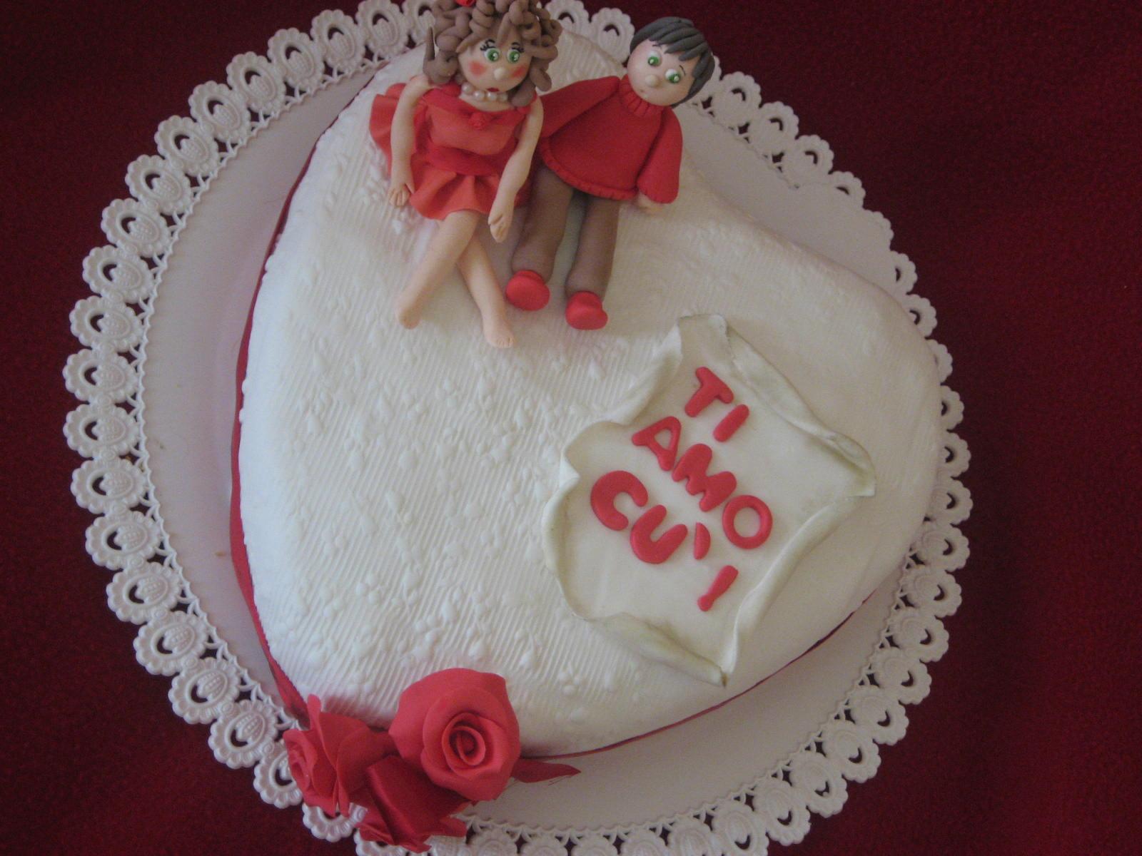 ... ,prima della consegna,la mia torta a forma di cuore...vi piace