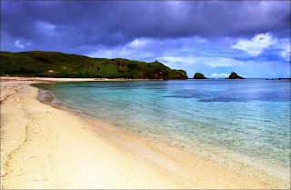 Pantai Kuta Lombok - 7 Tempat Wisata untuk Liburan di Lombok