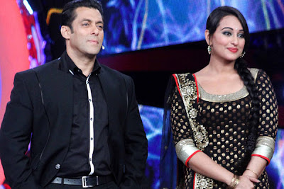 Sonakshi Sinha as as Punjabi kudi look with Salman in Big Boss 6 set