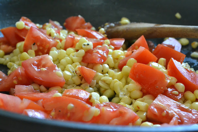 Minimal Monday: Pasta with Fresh Corn, Tomatoes and Basil ...