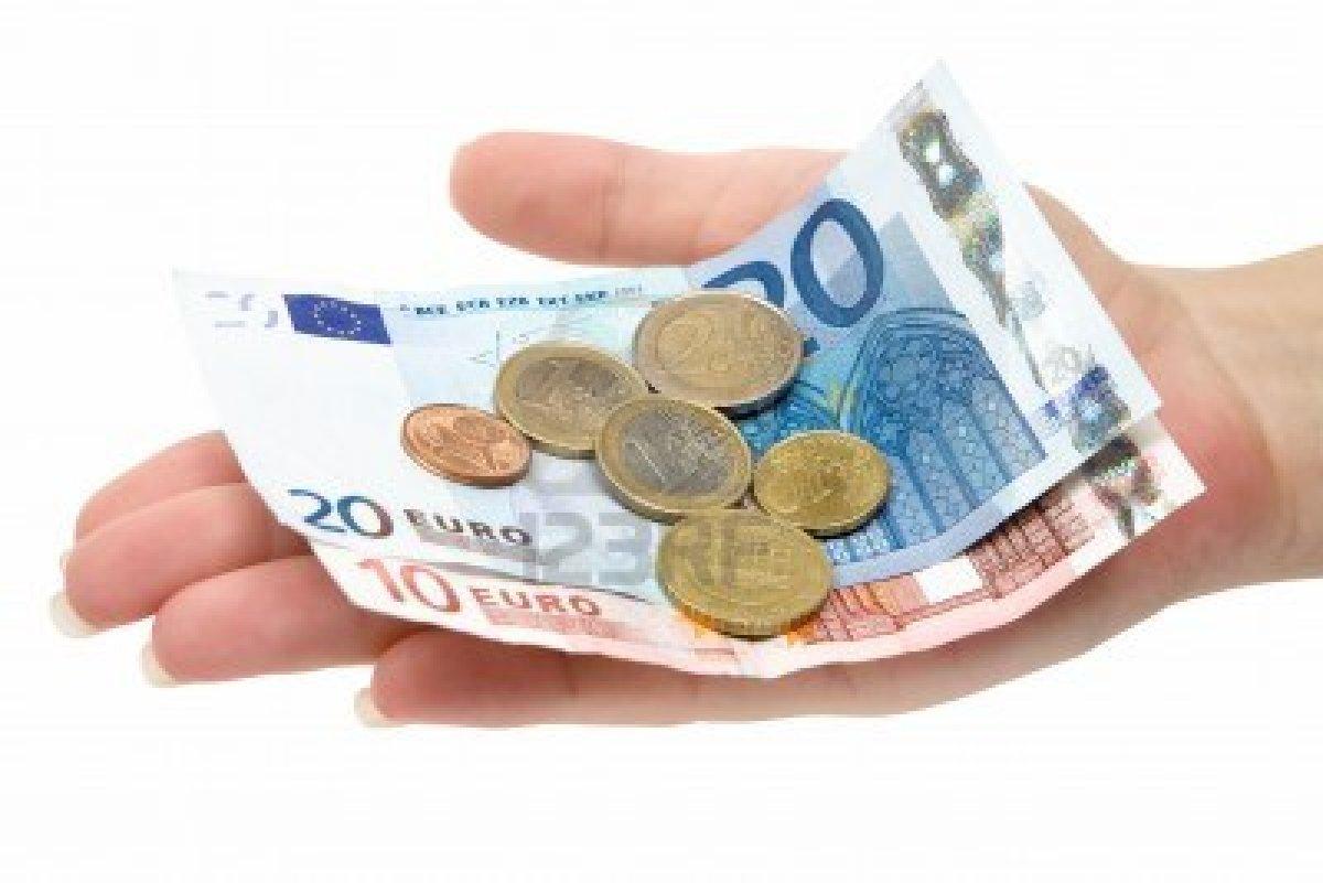 Peniaze na Ruku nezvzn iados cez internet - ver