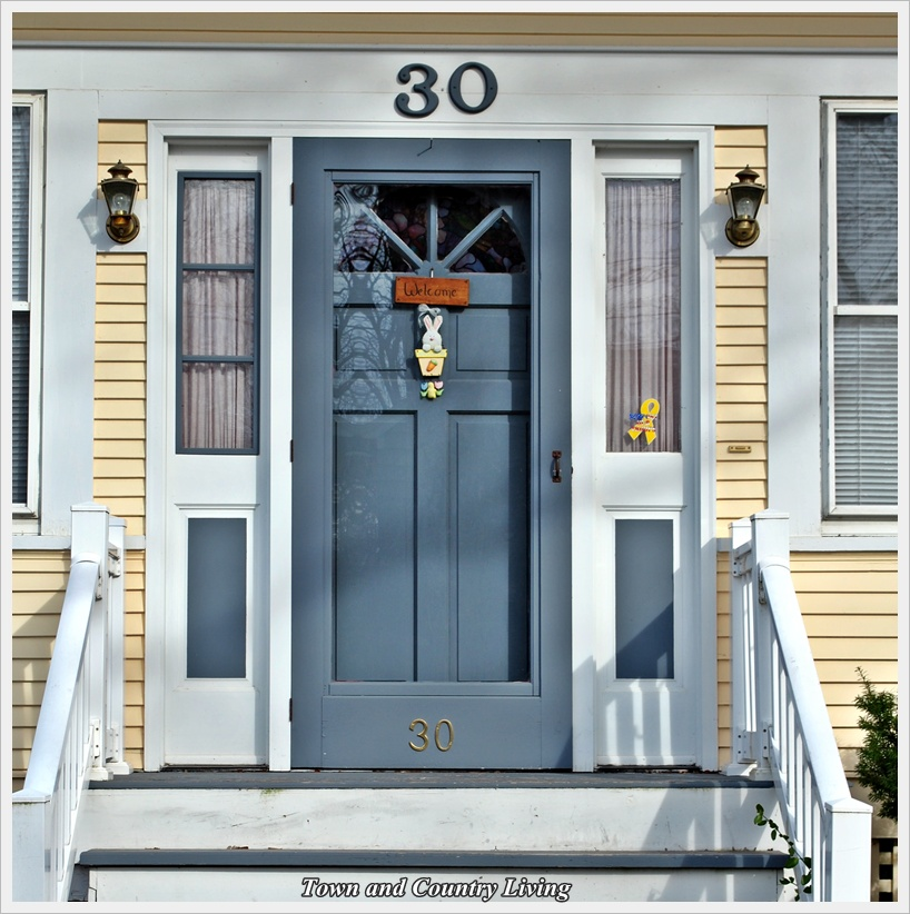 Matching storm door to front door color kitchen dreams for Front entry doors with storm door