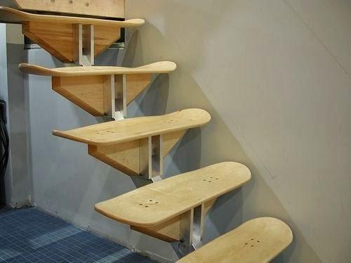 escalera diy con tablas de skateboard