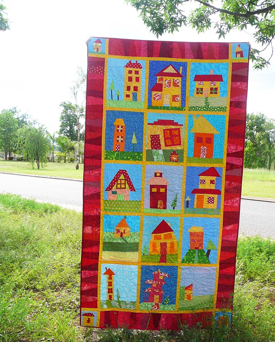 Quilt Block Patterns Of Houses : Patchy Work of Mini Grey: Milly s Wonky House Quilt - Bloggers Quilt Festival Time!
