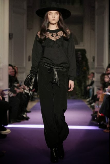 Alexis-Mabille, Alexis-Mabille-Fall-Winter, Fall-Winter, Fall-Winter-2014, Womenswear, womenswear-2014, ready-to-wear, pret-à-porter, fashion-week-milan, automne-hiver, fashion-week, milano-fashion-week, milan-fashion-week, mlf, mlf14, mlf2014, paris-fashion-week, fashion-week-paris, pfw, pfw14, pfw2014, du-dessin-aux-podiums, blog-mode-femme, blog-sur-la-mode, online-fashion-magazine, mode-chic, new-mode , fashion-looks, milan-fashion, fashionweek, look-mode, mode-a-paris, paris-fashion, style-mode, accessoires-de-mode, ladieswear, in-fashion, blogs-mode, fashion-events