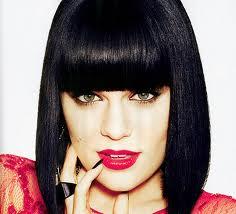 Jessie J canta seu maior sucesso