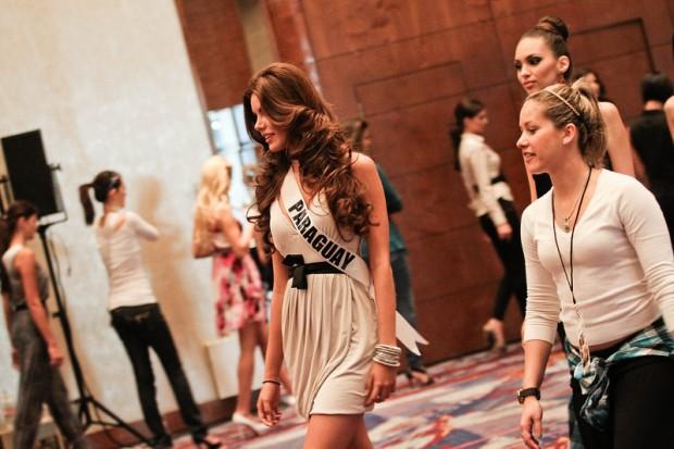 Miss Universe 2011 Contestants exercises9
