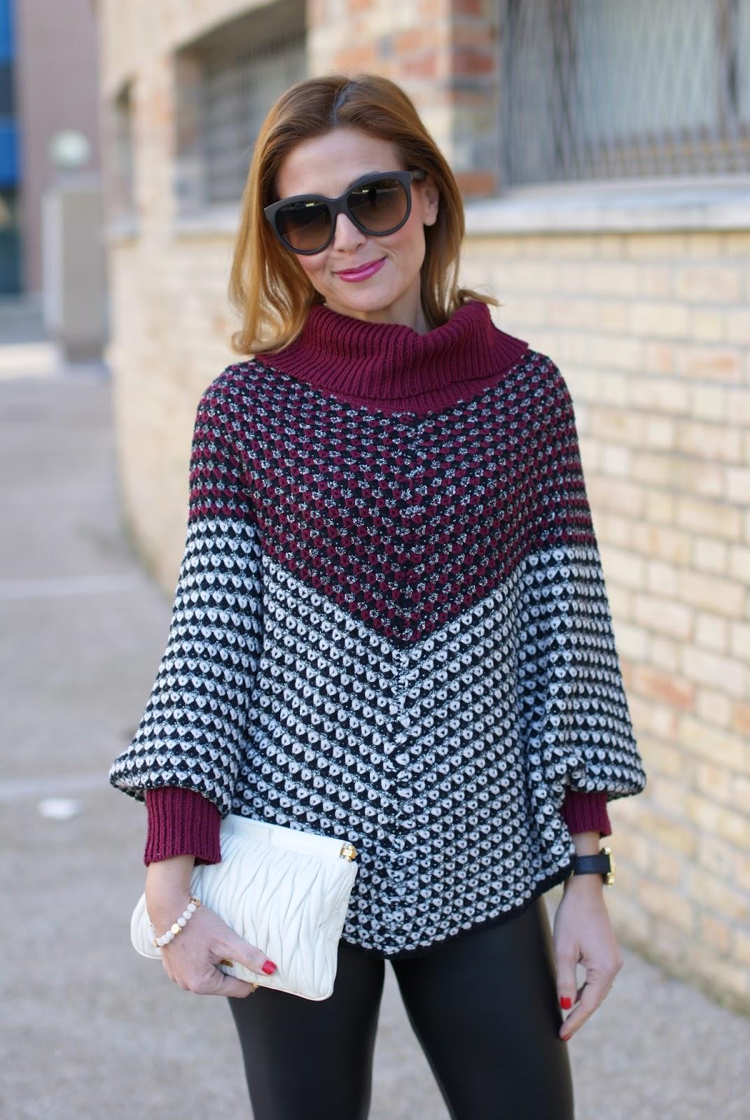 Jadea leggings, leather leggings and Smash! Prolix sweater on Fashion and Cookies fashion blog, fashion blogger style