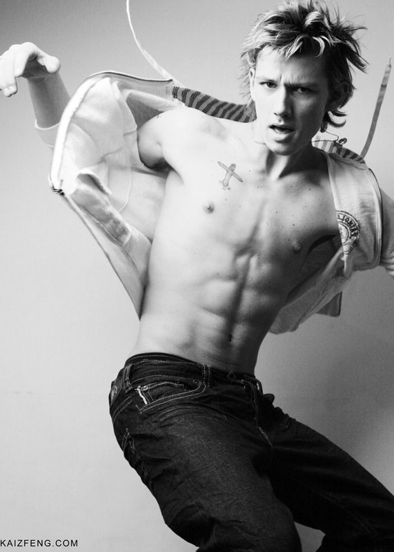 Am Number Four's Alex Pettyfer Sexiest Photos (Top 10)