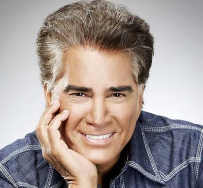 """José Luis Rodríguez """"El Puma"""" con bella sonrisa"""