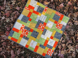 http://ablueskykindoflife.blogspot.com/2013/10/oxford-comma-quilt-finish.html