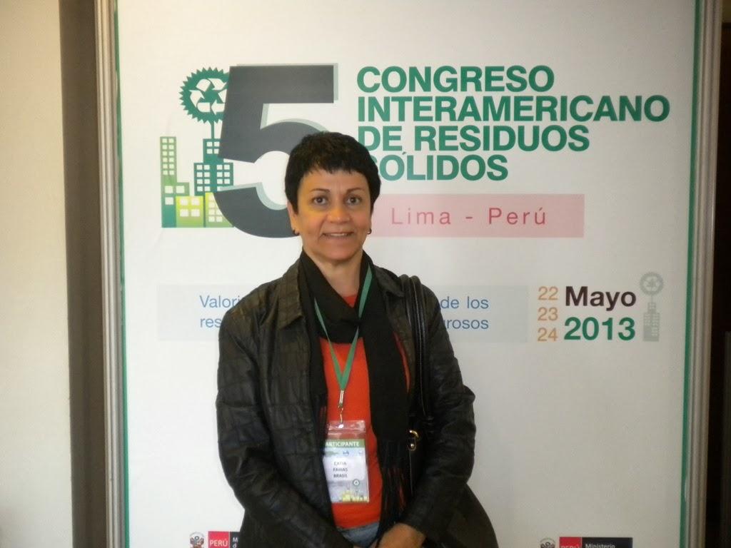 Foto professora congresso interamericano A professora Cátia Farias, dos cursos de Engenharia do UNIFESO, teve seu projeto aprovado pelo CNPq