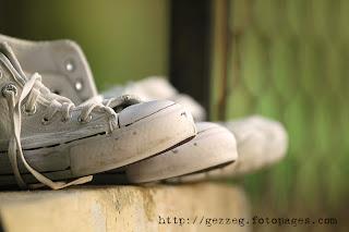 kenapa kasut berbau busuk