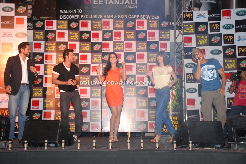 Katrina in Orange at Mountain Dew powers Zindagi Na Milegi Dobara