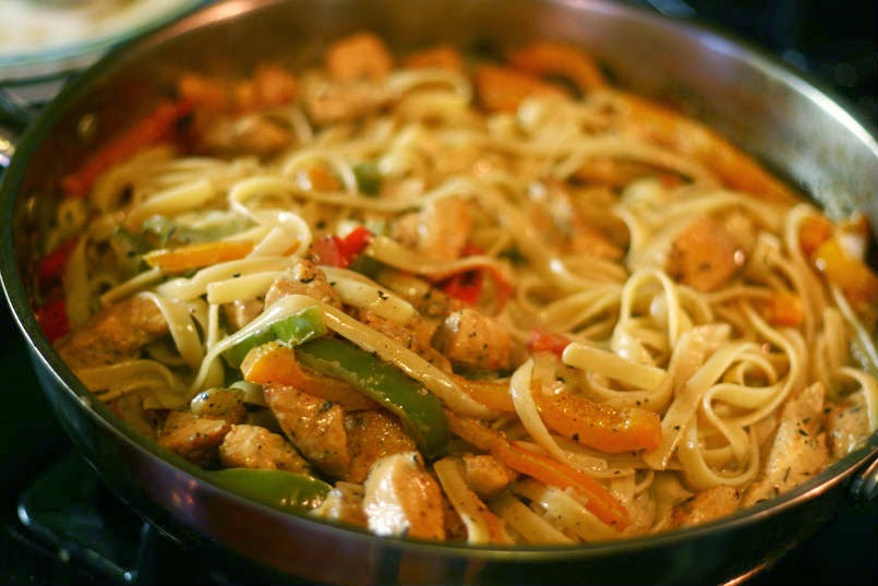 http://recipes.sandhira.com/cajun-chicken-pasta.html