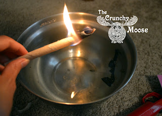 How to Use Ear Candles - ear candling - thecrunchymoose.com