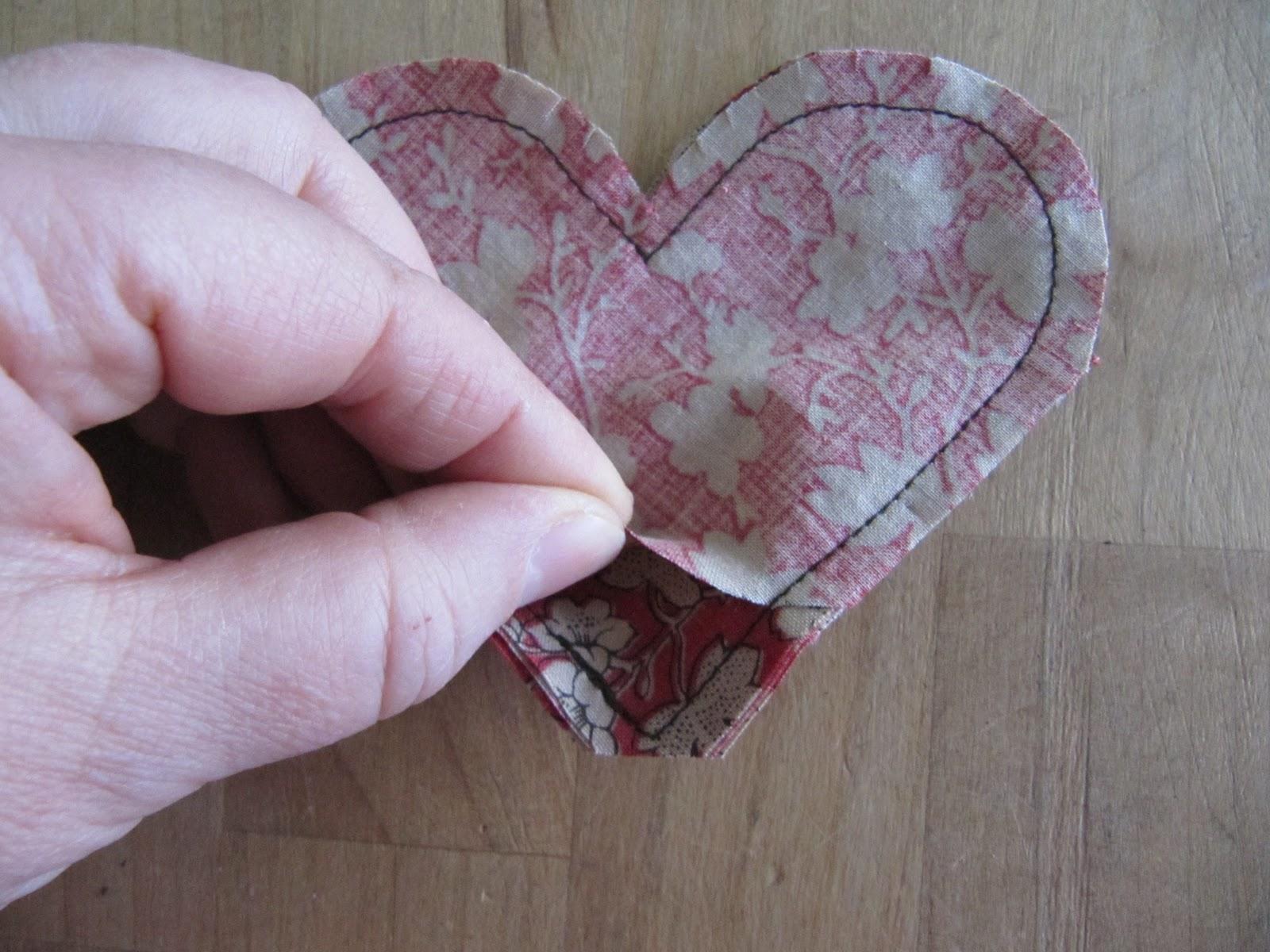 http://3.bp.blogspot.com/-kp7QKJyIcTE/TwJ6zoewVAI/AAAAAAAAMB0/QxjO8cRNrX8/s1600/heart+bookmark+039.jpg