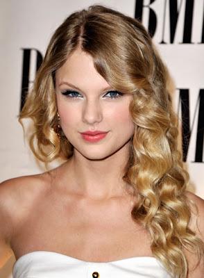 Frisuren Stil Haar 2016 Taylor Swift Romantische Wellig Updo