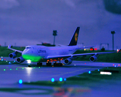 [Internacional]  (Imagens) Aeroporto de Hamburgo em miniatura  Knuffingen-airport_01+%25284%2529