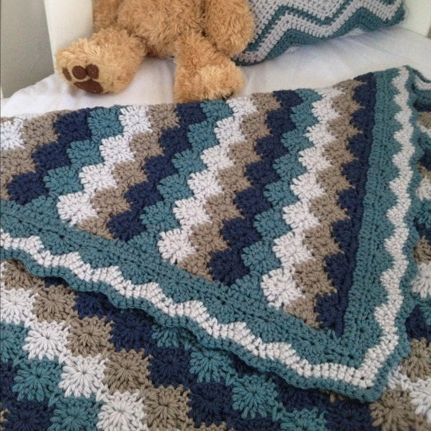 Free Crochet Harlequin Blanket Pattern : Three Beans in a Pod: Harlequin - FINISHED!