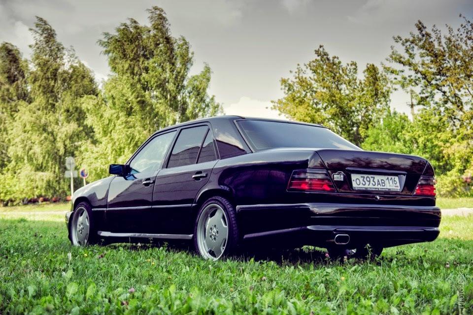 Original Mercedes-Benz c124 e36 plata 1:18