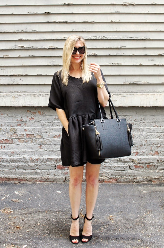 jessica faulkner, H&M handbag, shoemint penny sandals