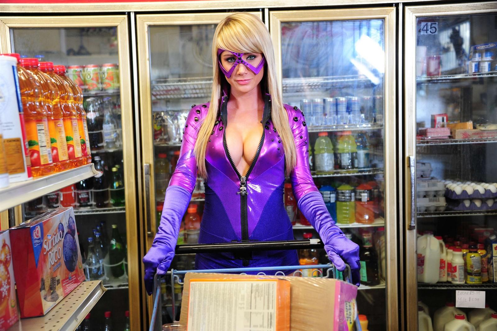 http://3.bp.blogspot.com/-kq0PwqKTdM4/TfMjF5cibzI/AAAAAAAACKs/XMhSi1cSTX0/s1600/hot-girl-cosplay-superhero-05.jpg