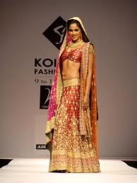 Sameera Reddy hot in saree Bollywood Actress-8