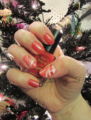 Candy-cane-watermarbled-nail-art.jpg