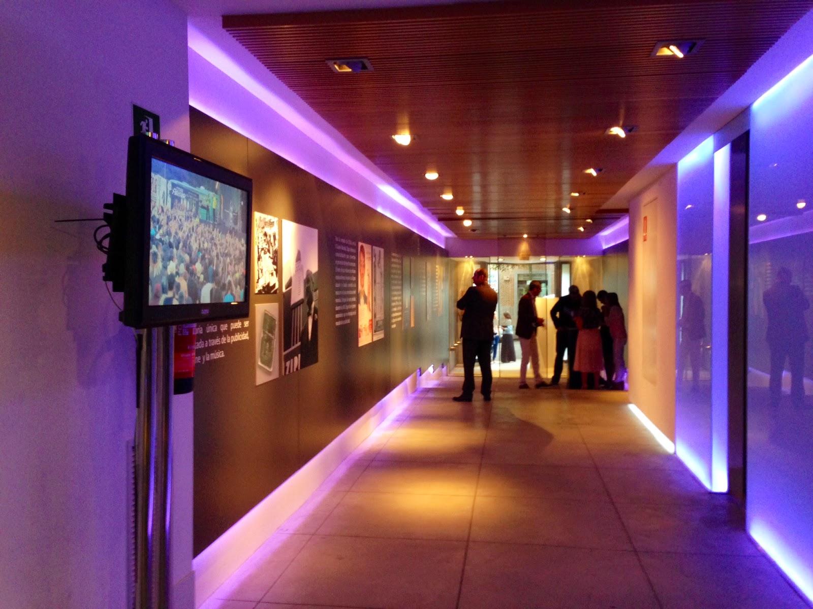 Pequeña exposición de la historia de Zippo en la presentación en Madrid