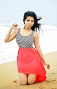 Iswarya menon glam pics-thumbnail-5