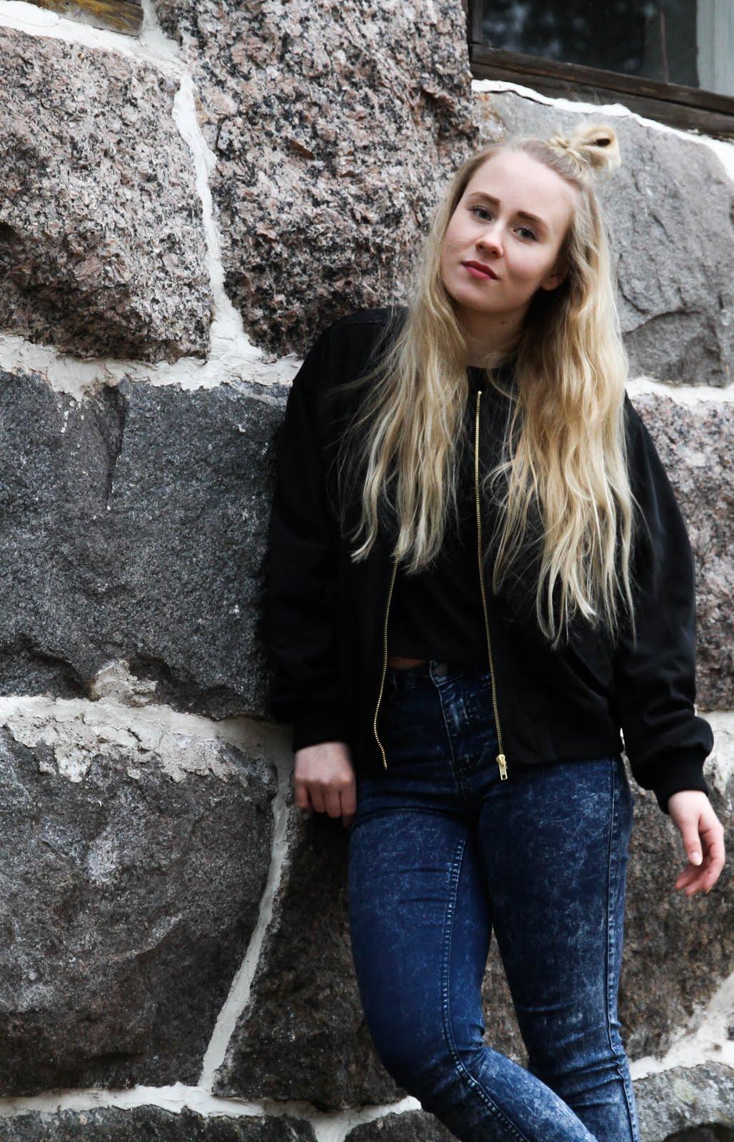 ────Saara, 19v.────